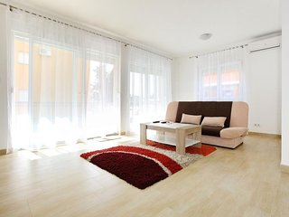 Zadar Apartment Sleeps 6 with Air Con and WiFi - 5471695