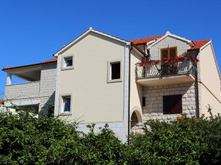 Two bedroom apartment Supetar (Brač) (A-13165-a)