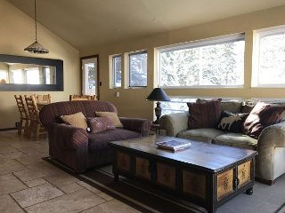 3 bed/2 bath remodeled condo East Vail 3941 Bighorn Rd, #3E, Vail, CO 81657