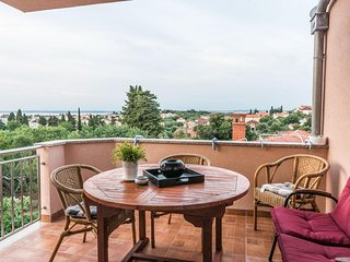 Sutomiscica Apartment Sleeps 4 with Pool Air Con and WiFi - 5472160