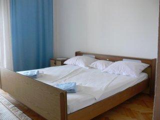 Two bedroom apartment Grebastica, Sibenik (A-13860-b)