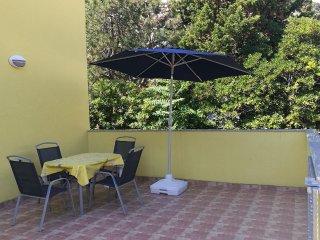 Draga Bascanska Apartment Sleeps 5 with Air Con - 5472190