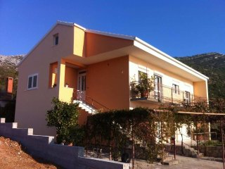Two bedroom apartment Kuciste - Perna (Peljesac) (A-13921-a)