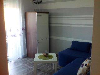 One bedroom apartment Pirovac, Šibenik (A-13977-b)