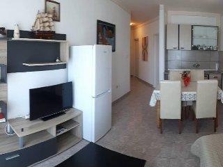 Two bedroom apartment Kali, Ugljan (A-14116-f)
