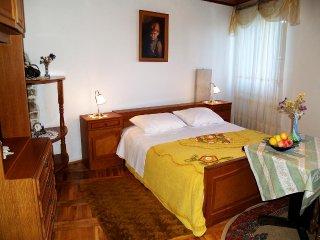 Room Motovun, Središnja Istra (S-14160-a)