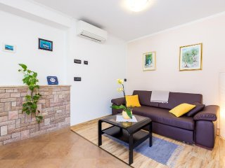 One bedroom apartment Lovran (Opatija) (A-14196-b)