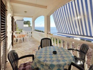 Zavalatica Apartment Sleeps 7 with Air Con and WiFi - 5472397