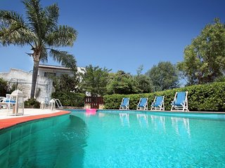 Villa Ficus in residence with pool near the beaches of Torre Guaceto