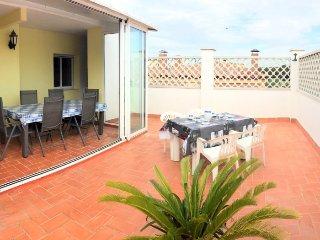 TURO2- 2 bedrooms apartment and communal pool in mas Matas area