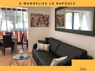 Grand studio moderne et confortable à Mandelieu La Napoule