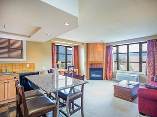 RARE TRUE Ski-in/Ski-out Suite with Fireplace and Valley Views!