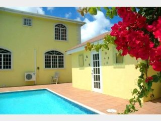 Stunning Poolside Four Bedroom Accommodation