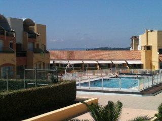 Pool View Apartment
