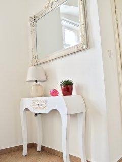 Elegant furnishings in Kitchen / dining room.