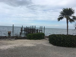 2 bedroom, dock, gulf front  plenty of parking!