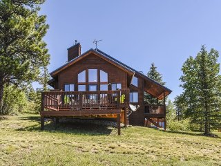 Pine Vista, a beautiful home located in Pagosa Springs, offers a serene and rela