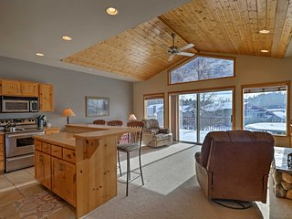 Cozy Bigfork Townhome w/Expansive Deck & Views!
