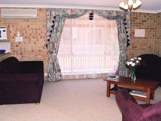ESPERANCE SEAFRONT HOLIDAY UNITS (Apartment 1)