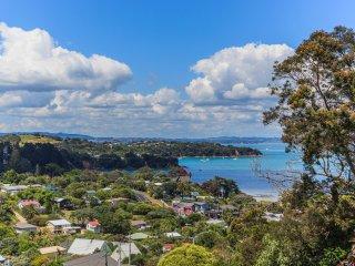 Aotea 10 - Sunny Holiday House on Waiheki