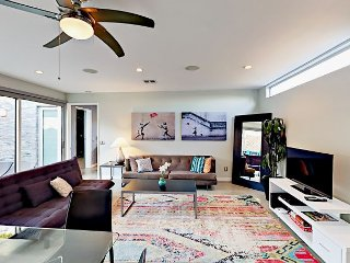 Sleek & Sophisticated 1BR in artsy Silver Lake - Near Sunset Junction