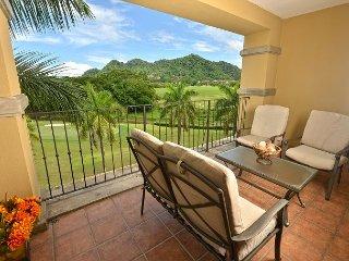 Luxury Condo w/Ocean View, Pool, BBQ!