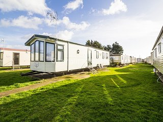 6 berth caravan with D/G and C/H at Seawick Holiday Park. In Osyth. REF 27515
