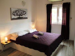 One bedroom apartment Primošten (A-14238-g)