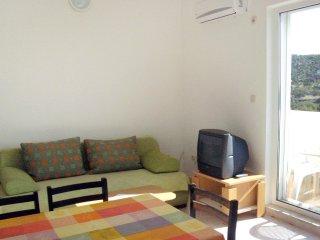 Two bedroom apartment Seget Vranjica, Trogir (A-8507-d)