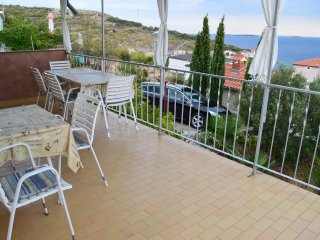 Baselovici Apartment Sleeps 6 with Air Con - 5478771