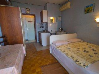 Room Crikvenica (S-5492-c)