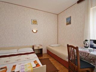 Room Crikvenica (S-5492-d)