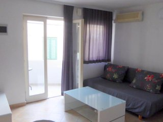 One bedroom apartment Tisno, Murter (A-14410-a)