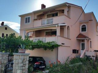 One bedroom apartment Preko, Ugljan (A-14451-a)