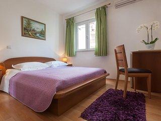 Room Tučepi (Makarska) (S-14457-a)
