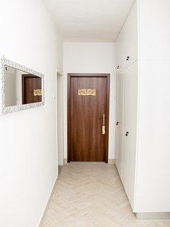 Hallway 1, Surface: 10 m²