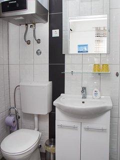 Bathroom 3, Surface: 2 m²