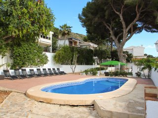 5 bedroom Villa with Pool, Air Con and WiFi - 5575222