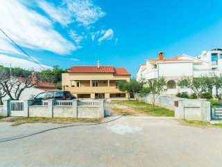 Four bedroom apartment Privlaka, Zadar (A-14492-a)