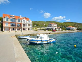 Three bedroom apartment Prizba (Korcula) (A-14499-b)