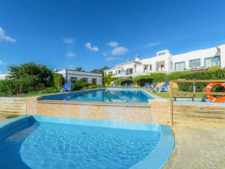 3 bedroom Villa in Areia, Faro, Portugal : ref 5575216