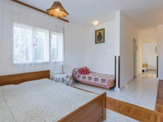 One bedroom apartment Pjescana Uvala, Pula (A-14564-a)