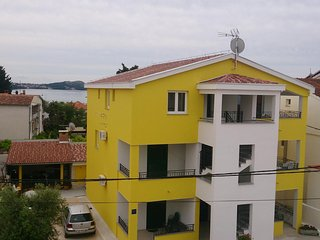 Two bedroom apartment Pakostane (Biograd) (A-14635-a)
