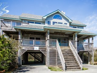Margaritaville | 835 ft from the beach | Dog Friendly, Hot Tub