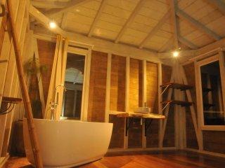 KAY PIRINA logement atypique avec piscine et vue mer