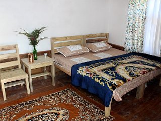 Farmer's Homestay- B&B bedroom 1, vacation rental in Jageshwar