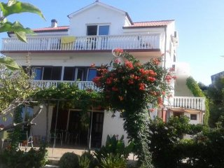 House Katarina - Traditional Two Bedroom Apartment with Sea View (A2)