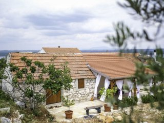 Holiday Home Lavanda - Holiday Home with Terrace and Sea View