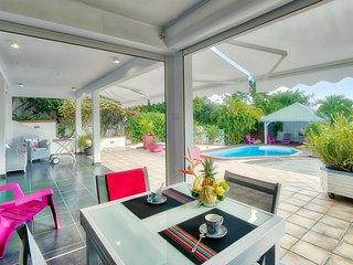 Jolirevecreole appartement standing entre mer et campagne avec piscine-balnéo