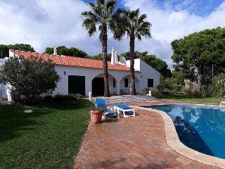 Villa Tolima 4 bedroom villa with private pool FREE WIFI